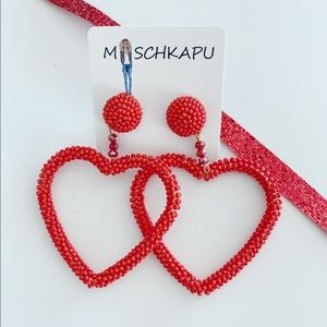RED SEED BEADED HEART HOOP EARRINGS (E10)
